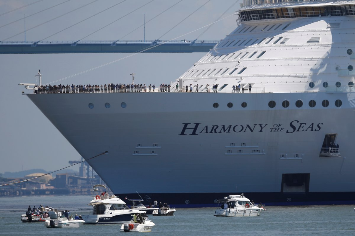 harmony-is-also-equipped-with-four-7500-hp-bow-thrusters-to-help-it-dock