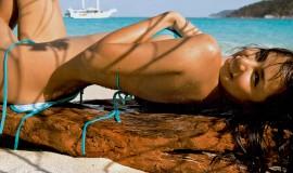 Bikini_Beach girl